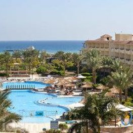 Amwaj Blue Beach Resort & Kempinski Soma Bay